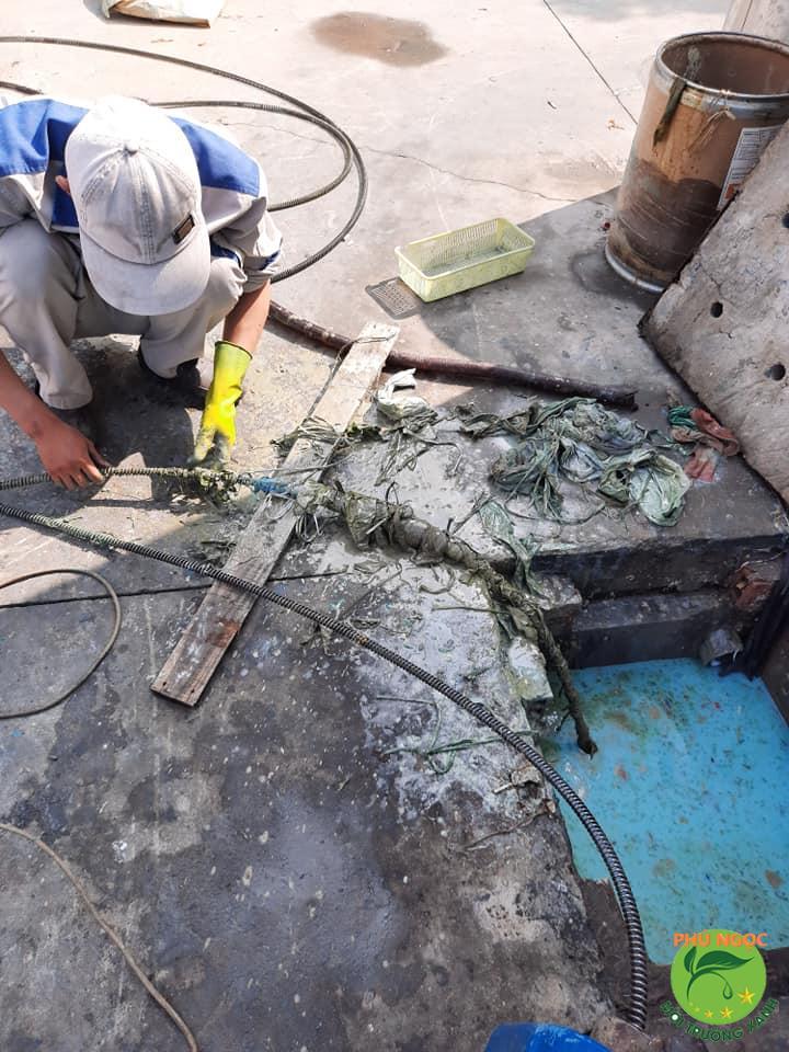 Thông cống nghẹt giá rẻ quận 12 tại Phú Ngọc