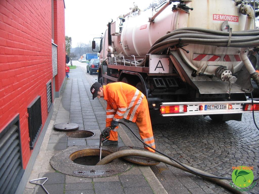 Khi nào bạn cần đến dịch vụ rút hầm cầu?