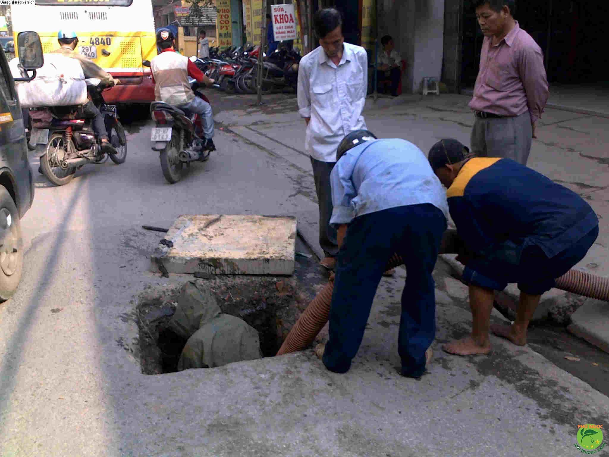 công ty Phú Ngọc 10 năm kinh nghiệm hút hầm cầu