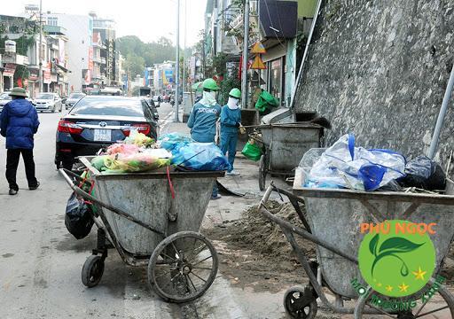 Thu gom rác thải sinh hoạt không đúng cách sẽ để lại những hậu quả gì?