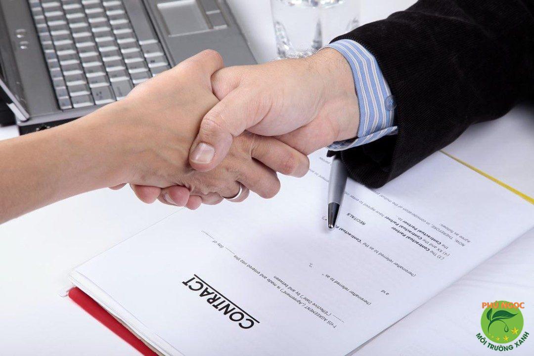 Công ty còn có hợp đồng, hóa đơn rõ ràng, có dịch vụ bảo hành kèm theo nhằm tạo ra nhiều mặt lợi cho khách hàng
