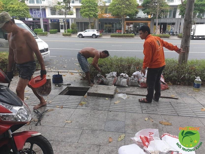 Thông cống nghẹt giúp đảm bảo vệ sinh môi trường
