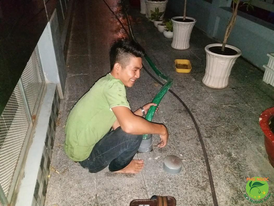 Quy trình làm việc dịch vụ hút hầm cầu huyện Long Hồ