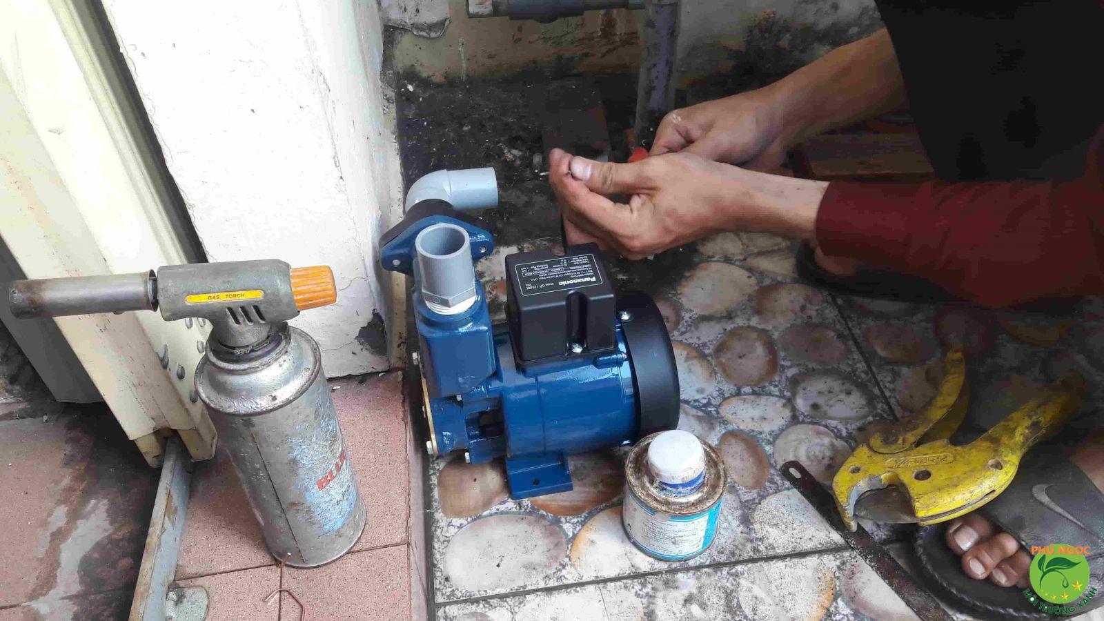 Dịch vụ sửa máy bơm huyện Hóc Môn làm việc chuyên nghiệp