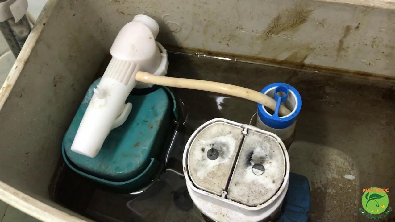 Cách tự điều chỉnh phao nước bị lệch trong bồn cầu