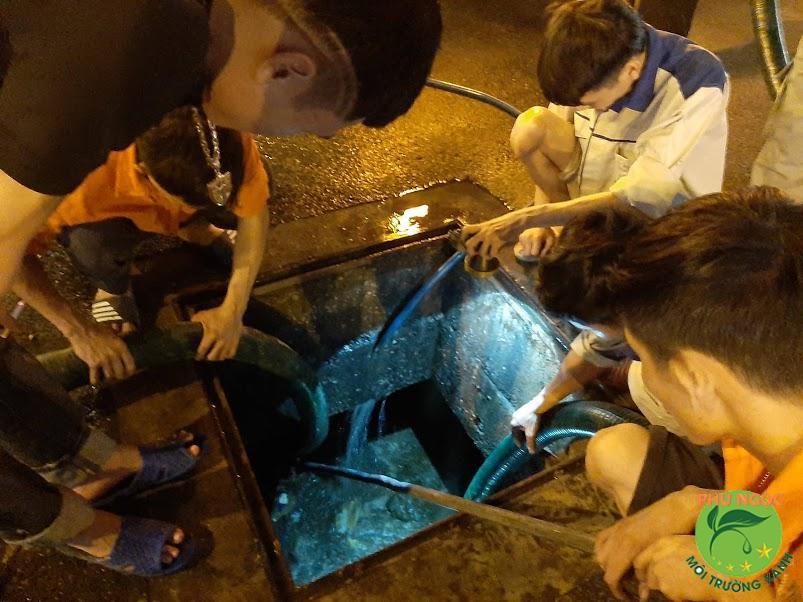 Quy trình hút hầm cầu chuyên nghiệp của công ty Phú Ngọc